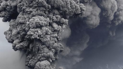 Aerial of the Eruption of Eyjafjallajˆkull
